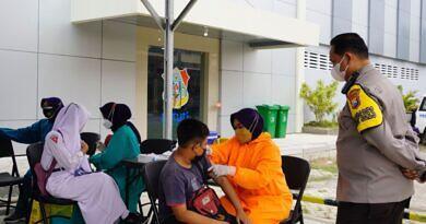 Ribuan Dosis Vaksin Disuntik Masyarakat Bojonegoro